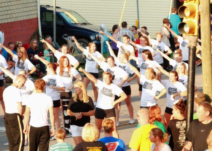 horsetheif-days-knox-pennsylvania-parade-keystone-cheerleaders