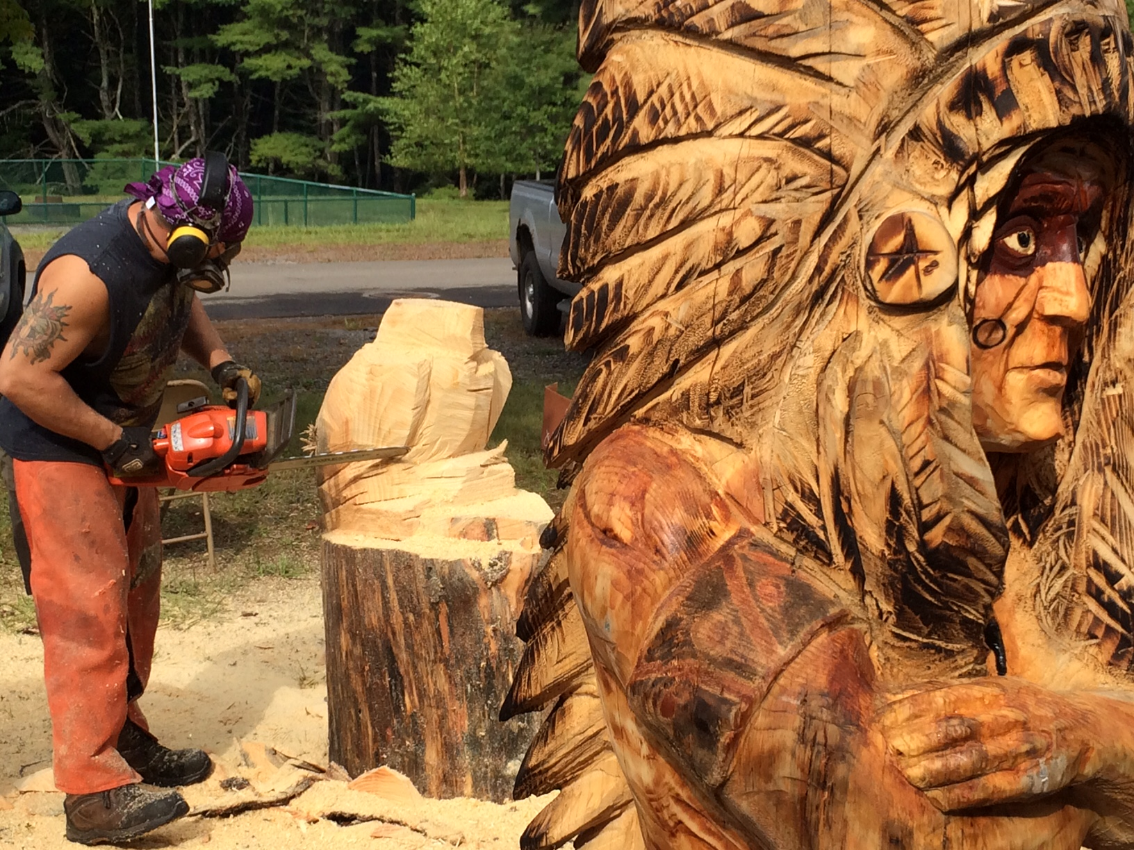 Chainsaw carvers round up knox area information